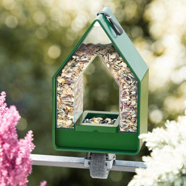 vogelvoer dispenser Landhaus groen aan reling