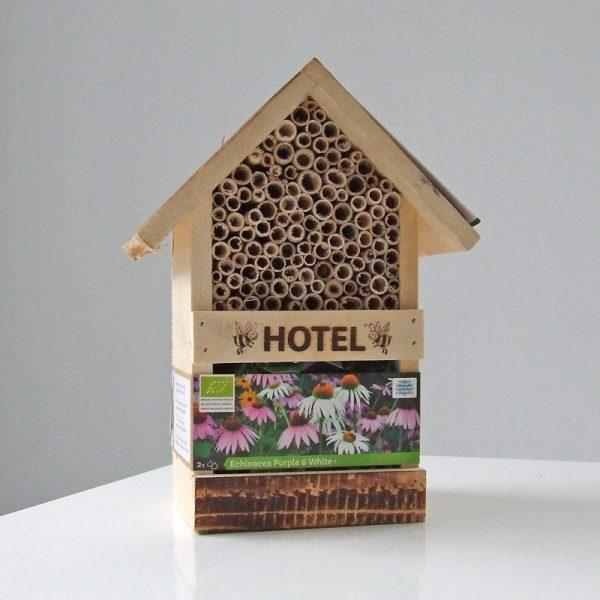 Bijenhotel met Echiniace Purple en White